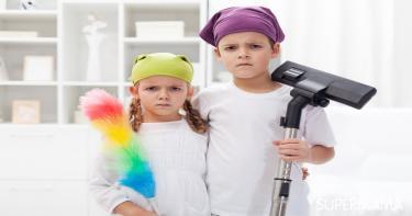 مساعدة الأطفال في ترتيب المنزل