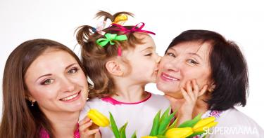 الاحتفال بعيد الأم مع العائلة
