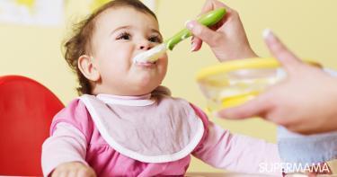 طعام الطفل في الشهر الثامن