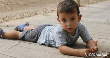 أعراض خطيرة بعد سقوط الطفل