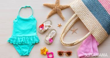 محتويات حقيبة الطفل على البحر
