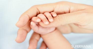 أسباب ارتفاع حرارة باطن اليدين والقدمين عند الأطفال الرضع