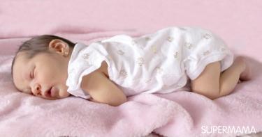 متى ينتظم نوم الرضيع؟