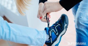 تعليم الطفل ربط الحذاء