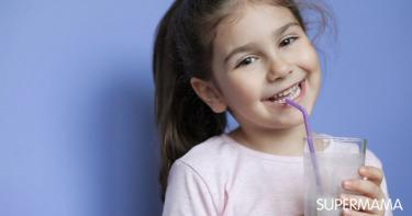 ما الكمية التي يحتاجها صغيرك من الحليب يوميًا؟