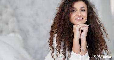 5 مكونات يجب ألا تكون في بلسم الشعر المجعد