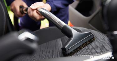 خطوات تنظيف السيارة من الداخل بعد ركوب الأطفال