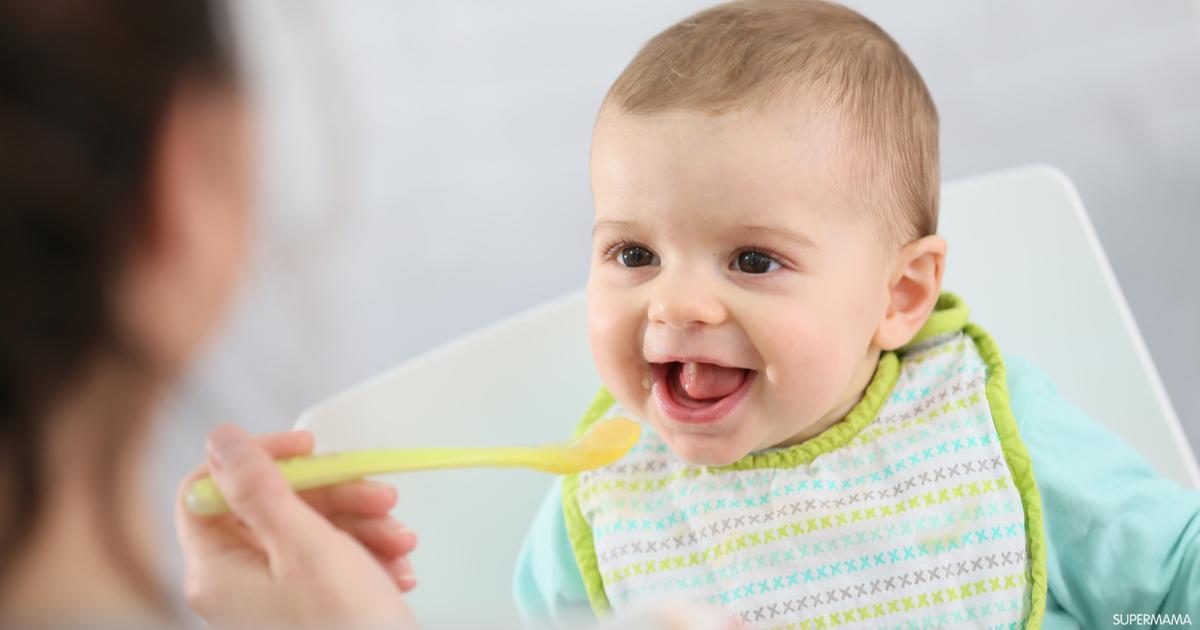 جدول طعام الطفل في الشهر السادس سوبر ماما