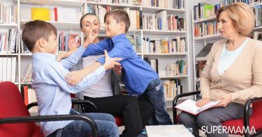 فنانة شهيرة تشتبك بالأيدي مع معلمات ابنها بالمدرسة