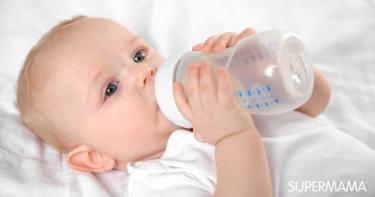 هل يمكن إعطاء الرضيع الماء مع الحليب الصناعي