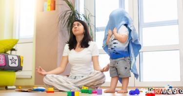 كيفية التعامل مع الطفل العنيد في عمر 3 سنوات