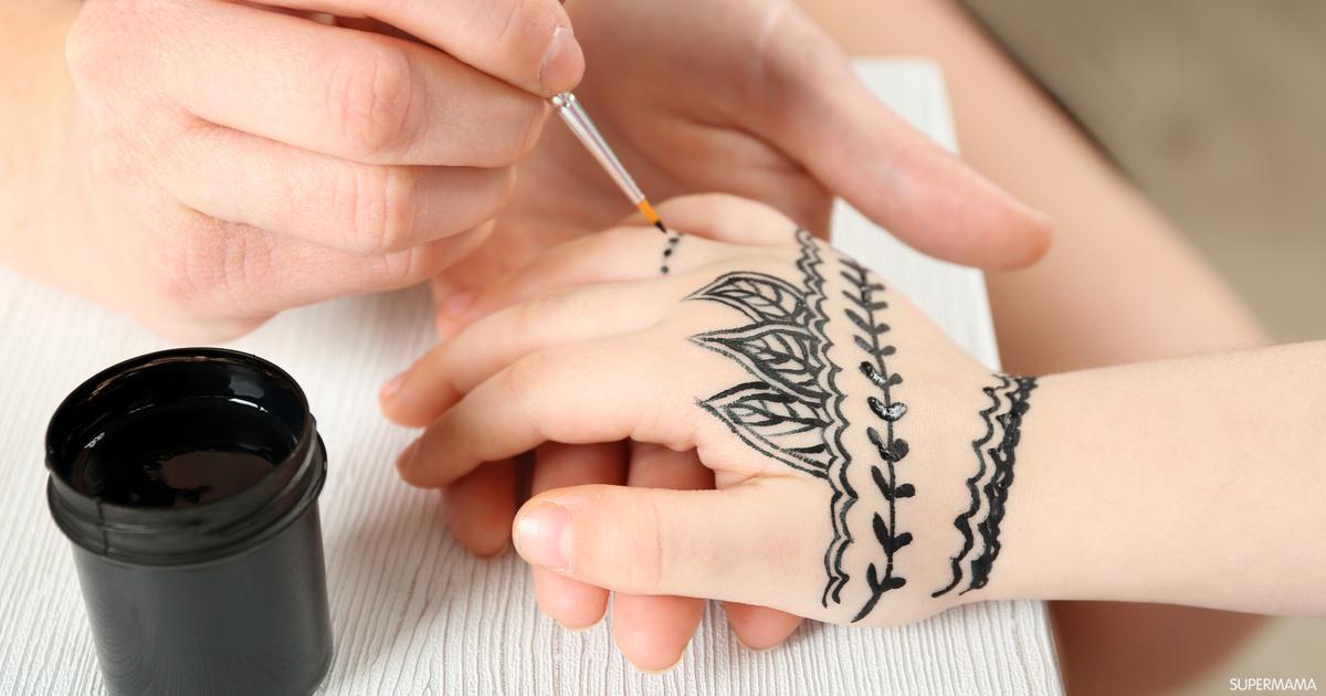 بالخطوات أسهل طريقة لرسم الحناء للأطفال سوبر ماما