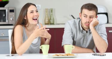 نصائح لتحسين مزاج زوجك