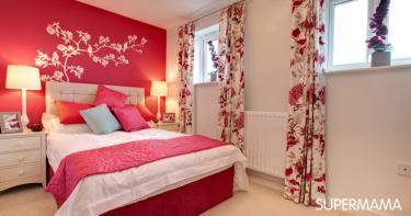 غرف نوم باللون الأحمر