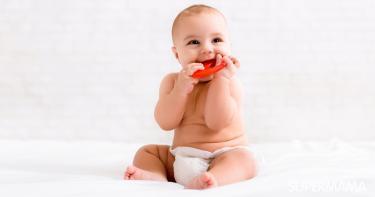 هل ظهور الناب عند الرضع قبل الأسنان طبيعي
