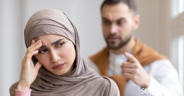 زوجي يهددني بالطلاق على أتفه الأسباب.. ماذا أفعل؟