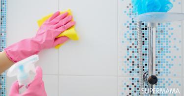 تنظيف جدران الحمام من الصابون