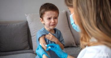 أسباب الخوف من الحقن عند الأطفال الصغار