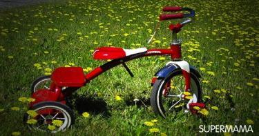 ٩- الدراجة ذات الثلاث عجلات والسيارات