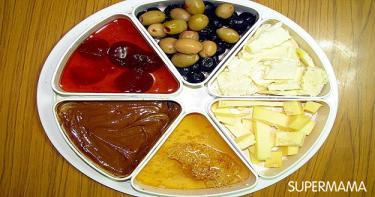 الجبنة والمربى والعسل