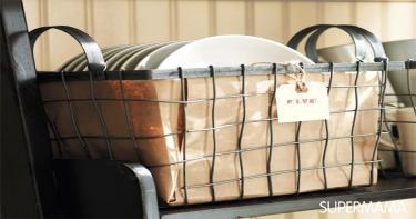 سلة معدنية لحفظ الأطباق