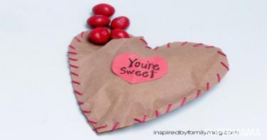 10 أنشطة يدوية مليئة بالحب مع أطفالك2