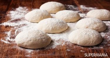 خبز البيتزا 1 العجين