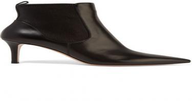 أحذية مهمة في خزانتكِ ٣