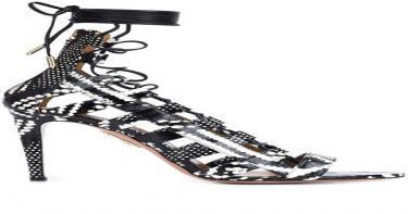 أحذية مهمة في خزانتكِ 5