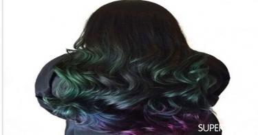 ألوان شعر تجعله غزيرًا - صبغ أطراف الشعر باللون الأخضر