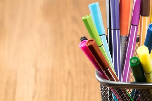 طقم أقلام