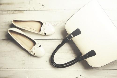 حقيبة يد وحذاء